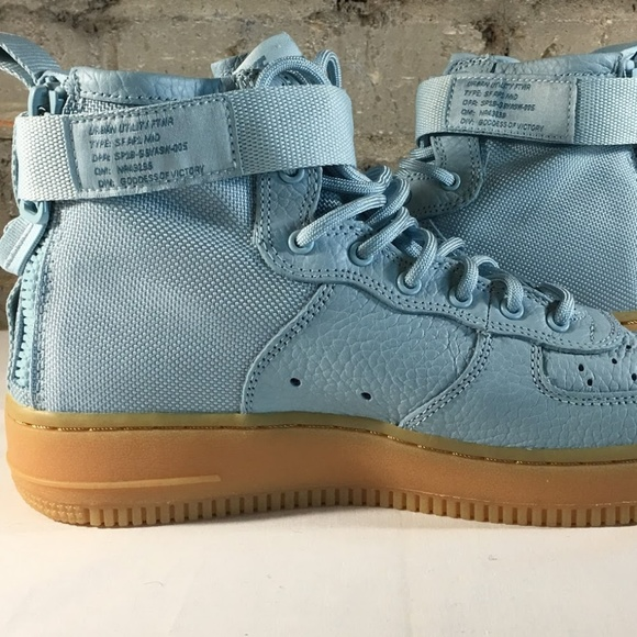 on sale 224f5 3a4b7 New Nike SF Air Force 1 Mid Shoes Youth Blue. M 5b9bb3803e0caa4d66e25d84